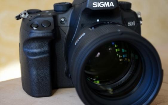 Sigma SD1 DSLR